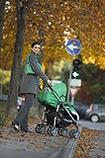 Zur Baby-Erstausstattung gehört ein guter Kinderwagen